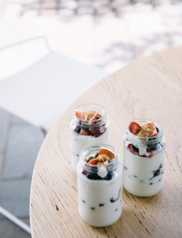 Yoghurt Pots with Cinnamon and Mixed Berries